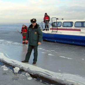 Выход на лед петербургских водоемов запрещен с 25 марта