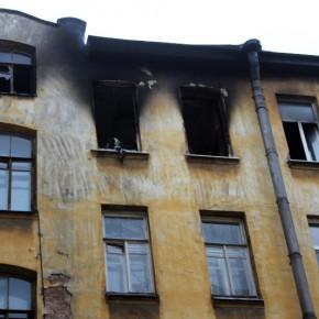 В ночном квартирном пожаре на улице Бабушкина погибли двое