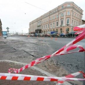 Площадь Труда закрыта до сентября из-за ремонта теплосетей