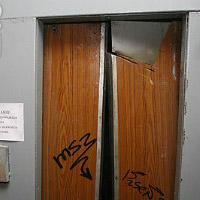 В Петербурге в лифте многоэтажки погиб младенец, возбуждено дело