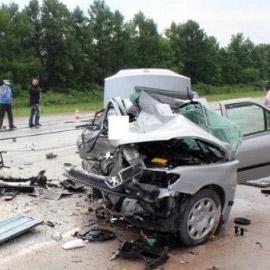 В массовом ночном ДТП под Гатчиной погиб инспектор ДПС