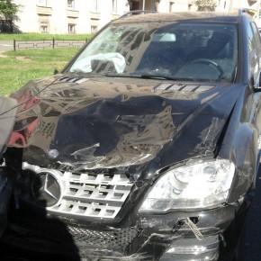 В ДТП на Лени Голикова столкнулись 17 машин, виновник погиб