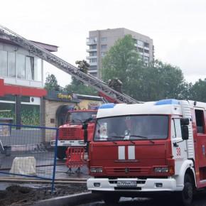 В пожаре на Витебском проспекте огнем уничтожены помещения VIP-сауны