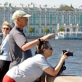 Количество туристов-иностранцев в Петербурге с начала года сократилось на 7%