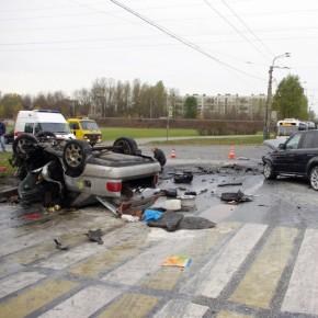 В аварии на шоссе Революции со сгоревшей Audi погибли 3 человека