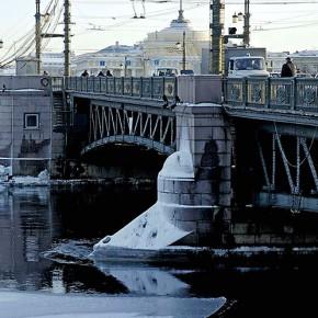 Ремонт Дворцового моста продлится больше года
