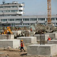 В Пулково 10 машин залило бетоном