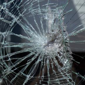 Петербургские транспортники продолжают призывать горожан не обстреливать автобусы