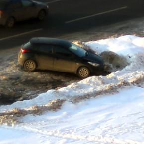 С начала декабря при уборке снега в Петербурге эвакуировали 5 тысяч автомобилей