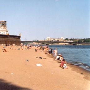 К лету 2013 в Петербурге откроют безопасные пляжи