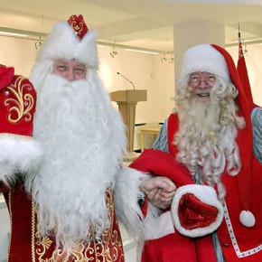 Российский дед мороз встретился с финским Йолупукки на границе
