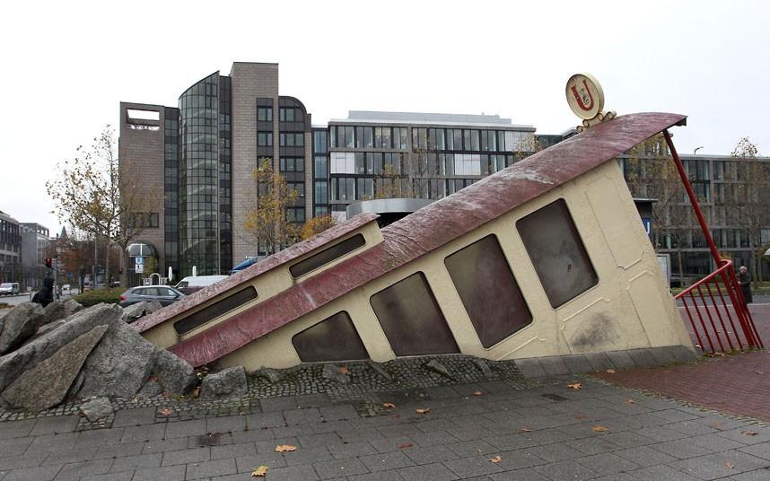 7-frankfurt-Bockenheimer Warte_entrance