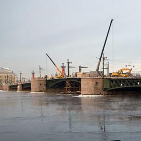 С 4 февраля до конца ремонта Дворцовый мост будет закрыт с 22:30