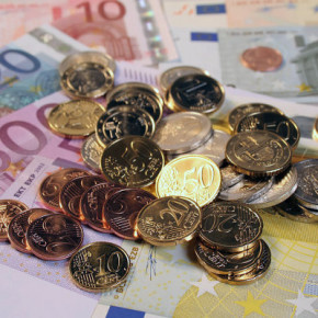 Евро в Литве начнут принимать в 2015