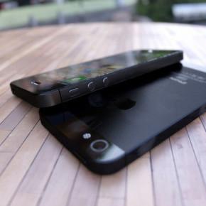 Apple обещает новую дешевую модель iPhone к лету 2013