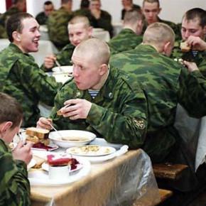В армии будут кормить как на курорте: Шойгу пообещал солдатам