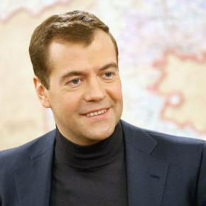 Источник в Госдуме: Медведев может возглавить высшие суды в Петербурге
