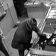 Ограбление в Колпино: пятеро иностранцев в масках ворвались в ювелирный салон