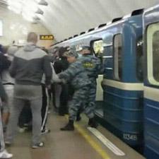 На станции петербургского метро