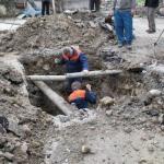 В Коломягах двух рабочих засыпало грунтом при ремонте трубы. Один - погиб на месте