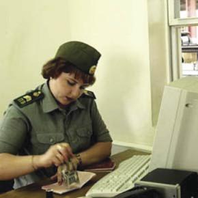 С долгами и штрафами до 10 тысяч будут выпускать за границу