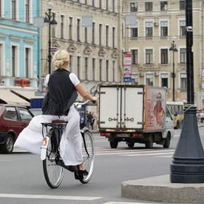 Велопарковки в центре Петербурга установят до конца июня