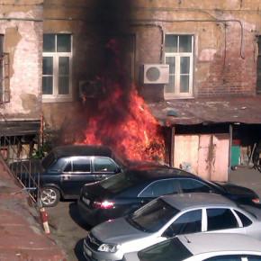 В Петербурге сгорела еще одна машина: на этот раз во дворе Музея обороны Ленинграда