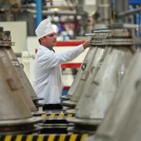 Компенсация за вредные условия труда в России будут платить по-новому