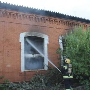 Пожар на Обводном: вновь горела пристройка Варшавского вокзала