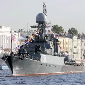 День ВМФ-2103 в Петербурге отметят парадом, посещением кораблей и фейерверком