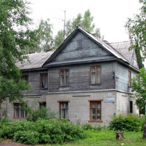 Пожар на Вологдина: в частном секторе горел дом с мигрантами