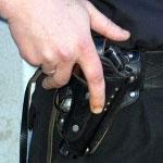 На Большеохтинском неизвестный стрелял по прохожим и полицейским
