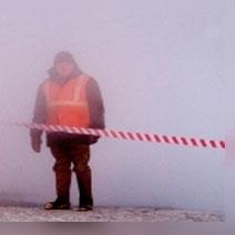 Из-за прорыва трубы на проспекте Большевиков размыло грунт