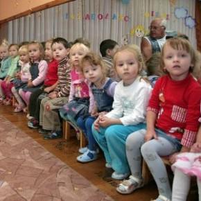 Смольный: существенных очередей в детские сады Петербурга нет