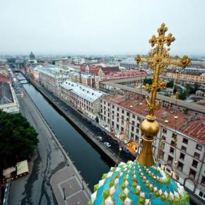 Руферы из Петербурга залезли на крышу Спаса-на-Крови