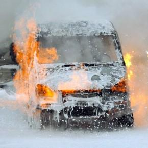 На обочине Левашовского шоссе сгорела