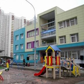 В Петербурге откроют 15 новых медучреждений, 18 детских садов и 7 школ