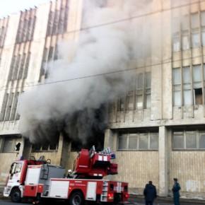 На проспекте Обуховской Обороны тушили пожар на Невском заводе
