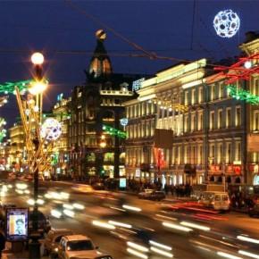 Невский на Новый год закроют с 21:00, а метро начнет работать в 4 утра
