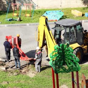 Снесенную детскую площадку на Науки, 44 полностью восстановят