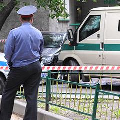 В Петербурге неизвестные на Infinity ограбили инкассаторов на 150 миллионов