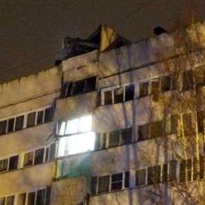 На Ольги Форш пожар и взрыв обрушили часть фасада девятиэтажки
