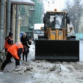 Уборку улиц Петербурга в 2014 году будут осуществлять только смольнинские ГУПы