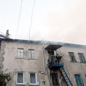 Пожар в Кронштадте: в нежилом доме выгорело 100 квадратных метров, обнаружен погибший