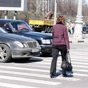 На Парашютной в зоне пешеходного перехода насмерть сбита женщина