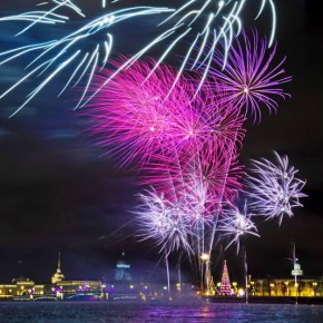 Рождество в Петербурге отметят салютом и искусственным снегом в Петропавловской крепости