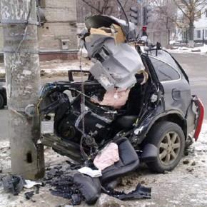 В утренних ДТП на Ленсовета и Дальневосточном погибли два водителя
