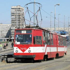 Трамваи по Володарскому мосту пустят 17 января
