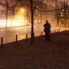 Прорыв на Карбышева: кипяток разлился на 100 квадратных метрах