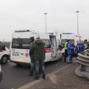 В ДТП на КАД пострадали 9 человек, двое - в тяжелом состоянии